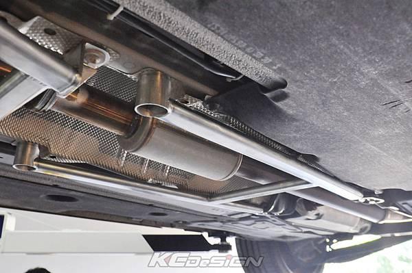 Volvo V60 T5 安裝 KCDesign 前下 中下結構桿_05.jpg