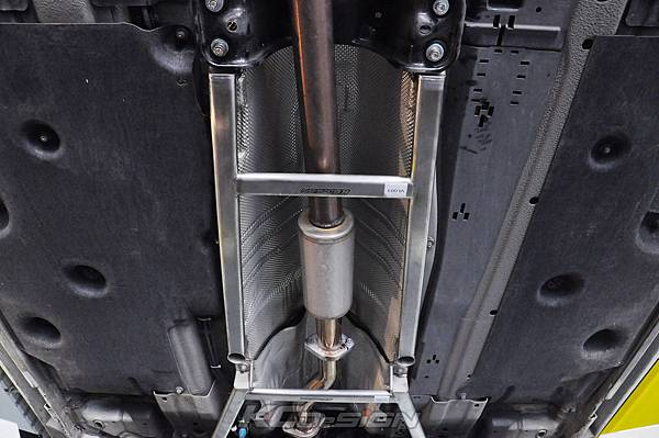 Volvo V60 T5 安裝 KCDesign 前下 中下結構桿_11.jpg