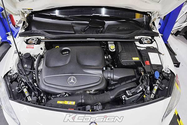 Benz A250 安裝 KCDesign 引擎室拉桿_03.jpg