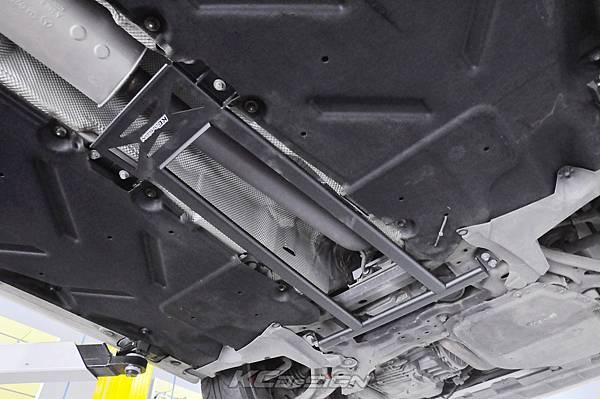 M-Benz CLA250 升級 KCDesign 引擎室拉桿、前下4點、後下4點拉桿_003.jpg