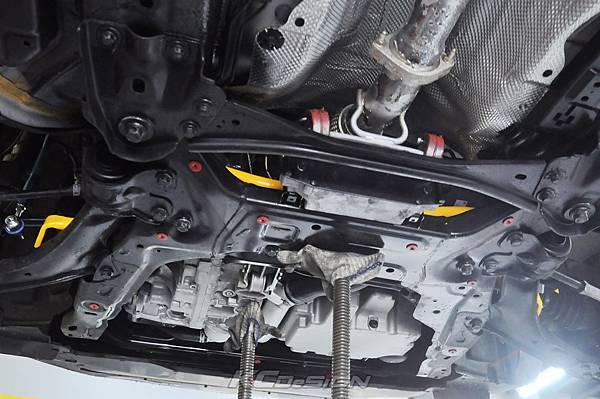 Volvo V60 T5 RD 安裝 KCDesign 前後防傾桿_004.jpg