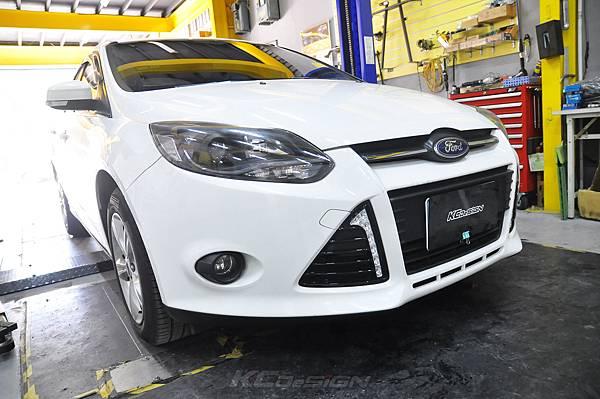 Ford Focus MK3 2.0 安裝 KCDesign 前後4點結構桿、後防傾桿_009.jpg