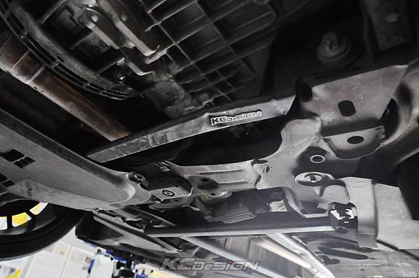 M-Benz CLA250 安裝 KCDesign 前下二點、前下北點式結構桿(撞壞更換)_004.jpg