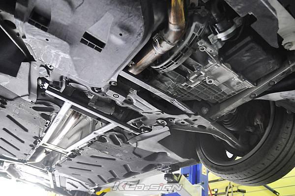 M-Benz CLA250 安裝 KCDesign 前下二點、前下北點式結構桿(撞壞更換)_001.jpg