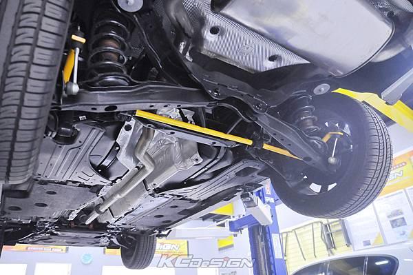 Volvo V60 CC 安裝 KCDesign 後防傾桿、引擎室拉桿_004.jpg