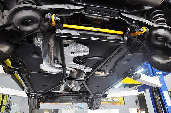 Volvo V40 D4 升級 KCDesign 前後4點式結構桿、後防傾桿_011.jpg