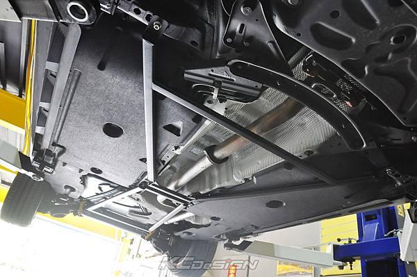 Volvo V40 D4 升級 KCDesign 前後4點式結構桿、後防傾桿_016.jpg