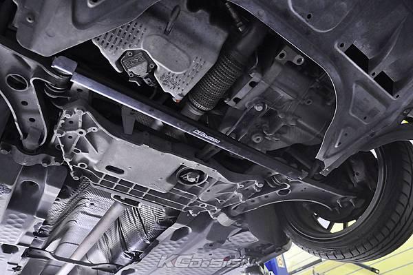 VW Golf 6 Variant 1.4 安裝 KCDesign 前下二點、後下二點式結構桿_005.jpg