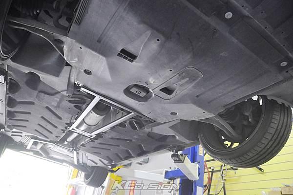 M-Benz CLA200 安裝 KCDesign 前後4點式結構桿(需修改下護板)_006.jpg
