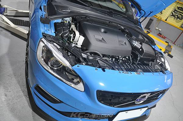 Volvo V60 Polestar 18年式 安裝 KCDesign 前後4點式結構桿、後防傾桿、T6 鋁合金渦輪管_053.jpg