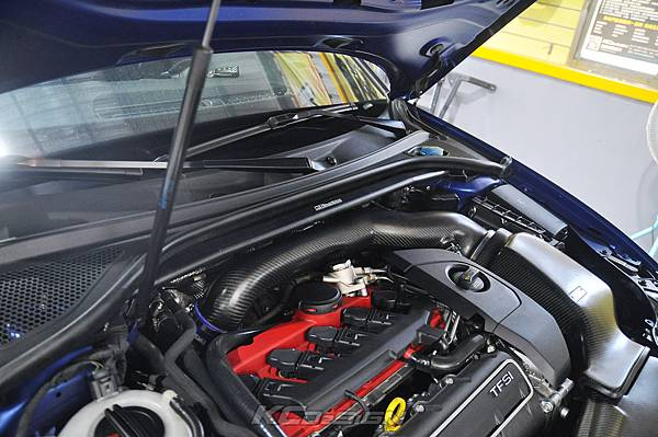 Audi RS3 8V 安裝 KCDesign 引擎拉桿、前後4點拉桿、後下2點拉桿_023.jpg