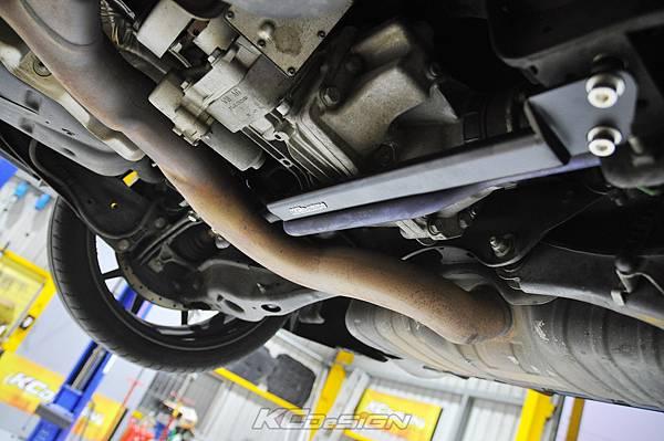 Audi RS3 8V 安裝 KCDesign 引擎拉桿、前後4點拉桿、後下2點拉桿_032.jpg