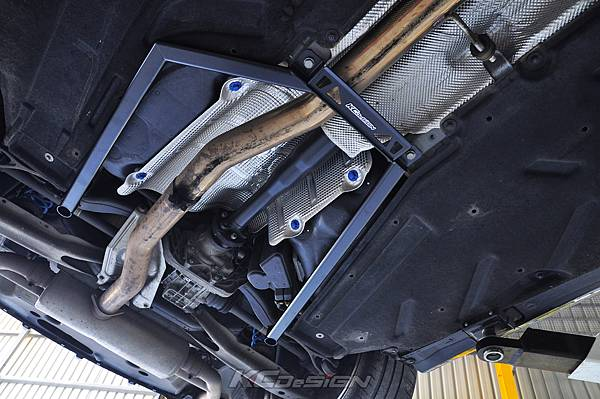 M-Benz Brabus CLA45 安裝 KCDesign 引擎、前二、後4點拉桿、後行李箱拉桿_050.jpg