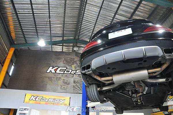 M-Benz Brabus CLA45 安裝 KCDesign 引擎、前二、後4點拉桿、後行李箱拉桿_057.jpg