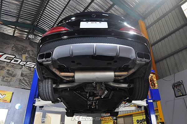 M-Benz Brabus CLA45 安裝 KCDesign 引擎、前二、後4點拉桿、後行李箱拉桿_058.jpg