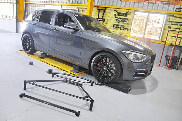 BMW F20 118i 升級 KCDesign 全車底盤結構桿(4件式)_002.jpg