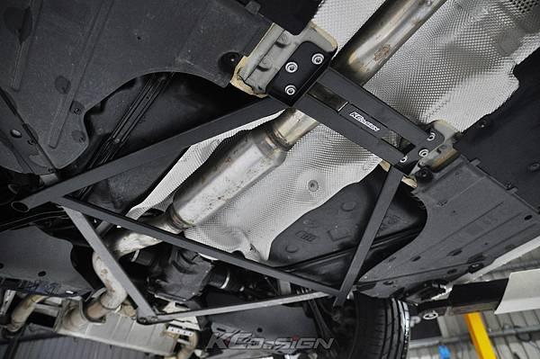 BMW F34 320i 升級 KCDesign 全車底盤結構桿(4件式) 含後下二點拉桿_006.jpg