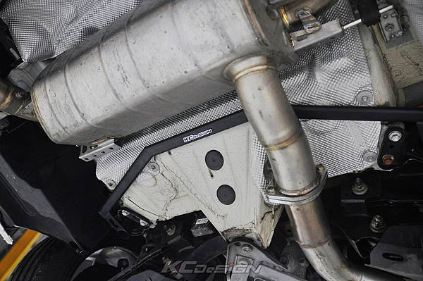 BMW F34 320i 升級 KCDesign 全車底盤結構桿(4件式) 含後下二點拉桿_010.jpg