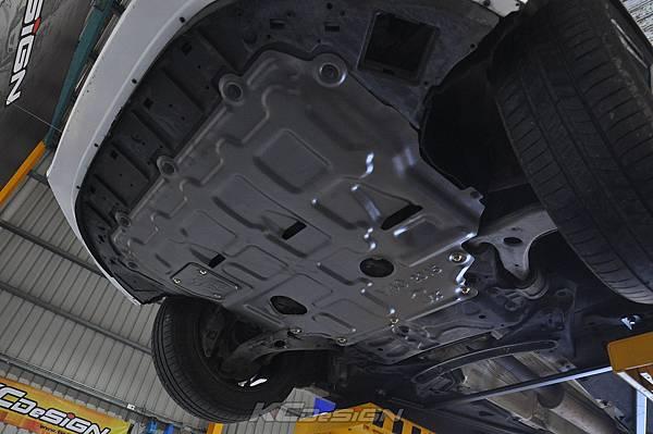 Volvo V40 T3 (Drive-E) 升級 KCDesign 前後4點式結構桿、後防傾桿_006.jpg