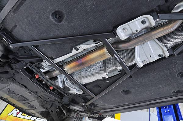 Volvo V40CC AWD 安裝 KCDesign 前後4點式結構桿_008.jpg