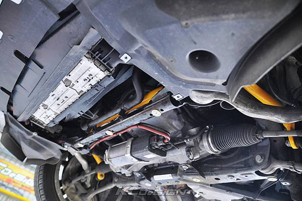 BMW F22 M235i 安裝 KCDesign 前後防傾桿、全車結構桿 x2_004.jpg