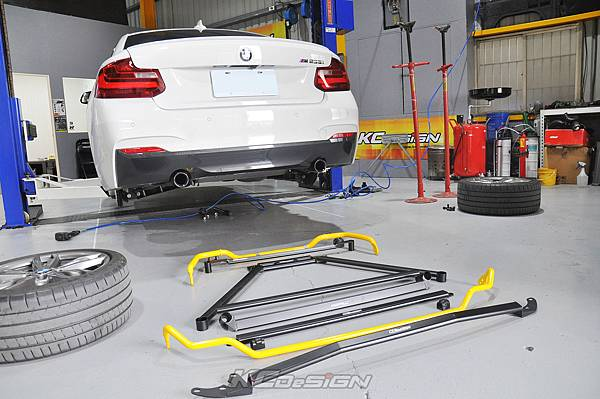 BMW F22 M235i 安裝 KCDesign 前後防傾桿、全車結構桿 x2_012.jpg