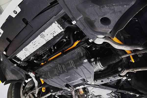 BMW F22 M235i 安裝 KCDesign 前後防傾桿、全車結構桿 x2_020.jpg