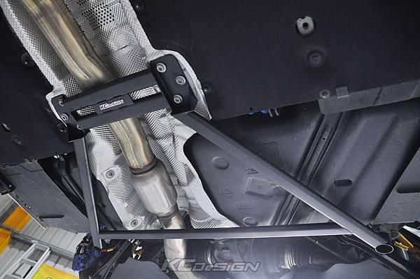BMW F22 M235i 安裝 KCDesign 前後防傾桿、全車結構桿 x2_022.jpg
