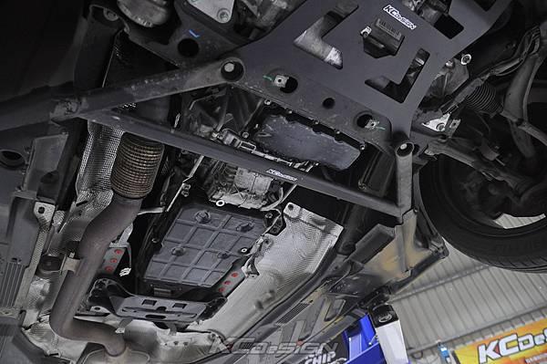 M-Benz W205 C300 測試 KCDesign 前下4點式結構板、前下4點結構桿(V字)_019.jpg
