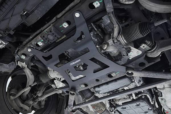 M-Benz W205 C300 測試 KCDesign 前下4點式結構板、前下4點結構桿(V字)_014.jpg