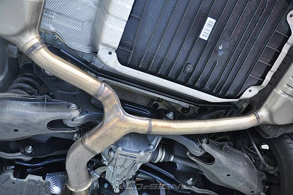 M-Benz C43 測試 KCDesign 引擎拉桿、前下4點、後下4點式結構桿(2板和3板)、後下二點式結構桿、後上拉桿_044.jpg