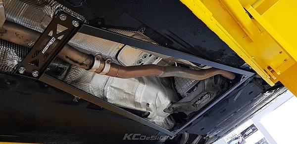 Audi A4 B8.5 升級 KCDesign 前下4點式結構桿、引擎室拉桿_008.jpg