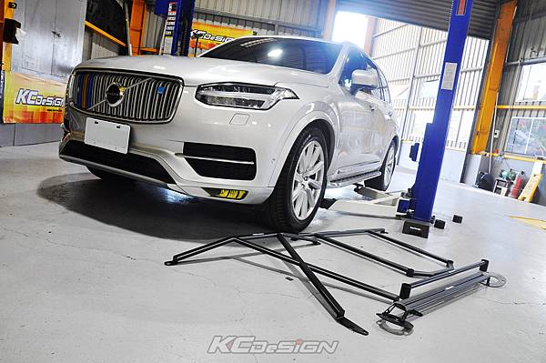 Volvo XC90 D5 安裝 KCDesign 底盤結構桿(4件式)_001.jpg