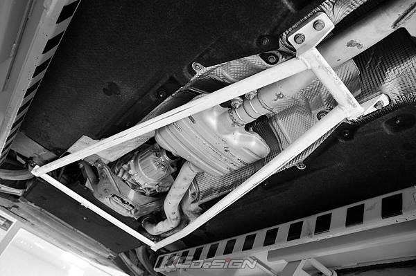 Audi A4 B8.5 安裝 KCDesign 全車底盤結構桿(二件式)_013-2.jpg