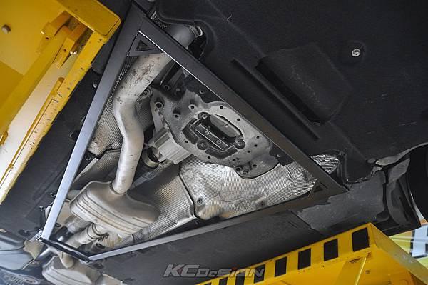 Audi A4 B8.5 安裝 KCDesign 全車底盤結構桿(二件式)_021.jpg