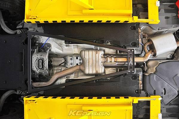 Audi A4 B8.5 安裝 KCDesign 全車底盤結構桿(二件式)_026.jpg