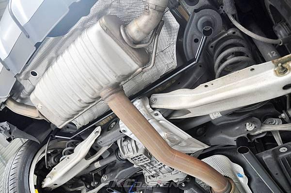 M-Benz GLA45 安裝 KCDesign 全車底盤結構桿(五件式)_005.jpg
