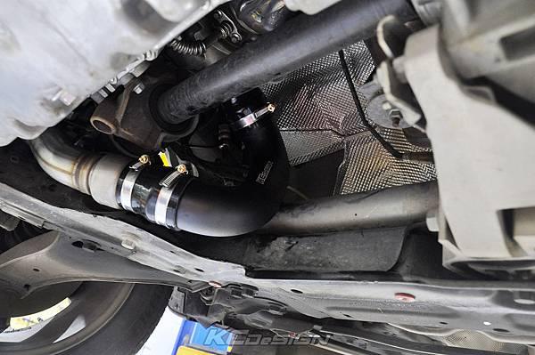 Volvo XC60 T5 安裝 KCDesign 前後4點拉桿、引擎拉桿、T5 6速渦輪管_010.jpg
