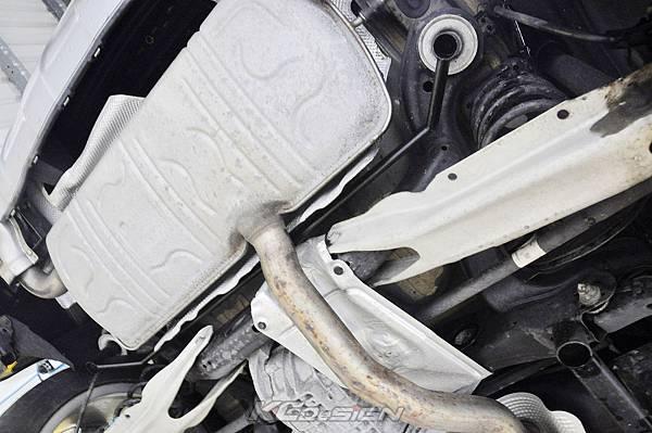 M-Benz GLA250 4WD 安裝 KCDesign 全車底盤結構桿(五件式)_008.jpg