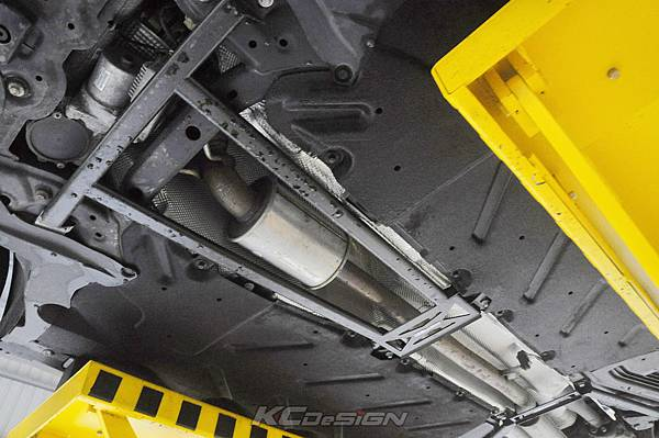 M-Benz GLA250 4WD 安裝 KCDesign 全車底盤結構桿(五件式)_003.jpg
