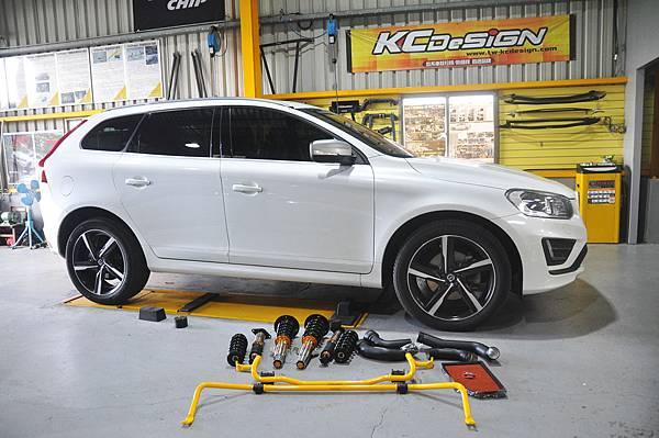 Volvo XC60 T5 RD 安裝 KCDesign 前後防傾桿、渦輪管、避震器_001.JPG