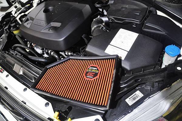 Volvo XC60 T5 RD 安裝 KCDesign 前後防傾桿、渦輪管、避震器_016.JPG