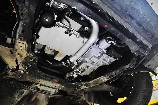 Volvo XC60 T5 RD 安裝 KCDesign 前後防傾桿、渦輪管、避震器_029.JPG