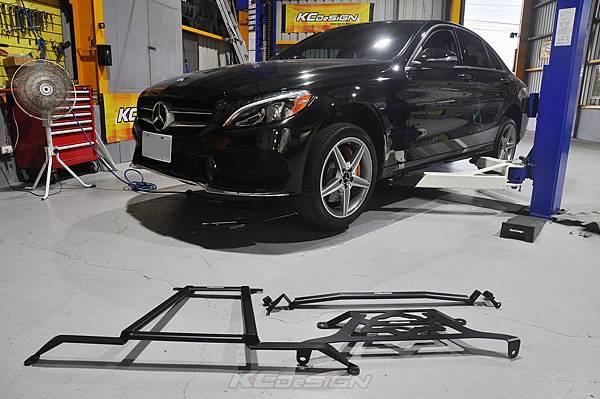 M-Benz W205 C300 安裝 KCDesign 底盤結構桿 三件式_001.jpg