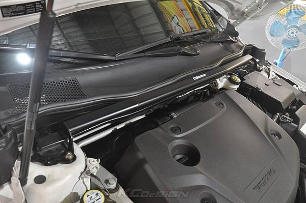Volvo V40 CC D4 安裝 KCDesign 引擎室拉桿、前防傾桿_011.jpg