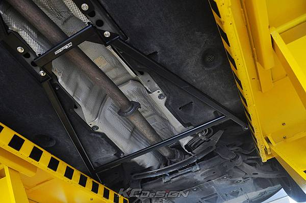 Volvo V40CC D4 安裝 KCDesign 前後4點式拉桿、後防傾桿_009.jpg