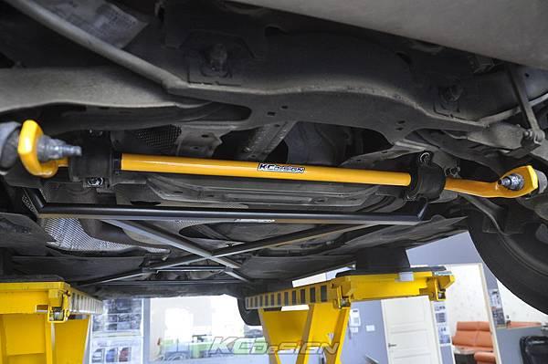 Volvo V40CC D4 安裝 KCDesign 前後4點式拉桿、後防傾桿_006.jpg