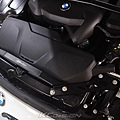 BMW F20 Lci B48 安裝 KCDesign 水箱支架補強桿_006.jpg
