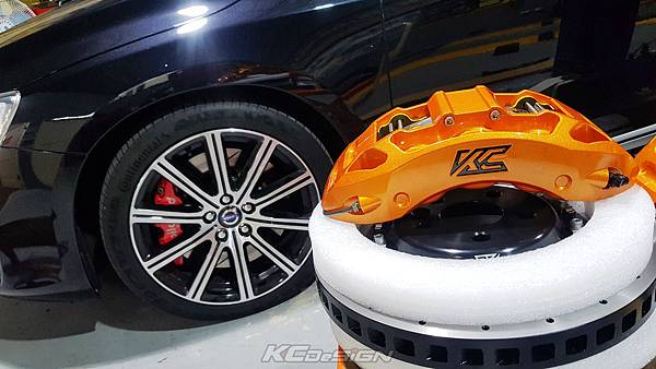 Volvo S60 T4 升級 KCDesign 超中六+350mm 後350mm 假浮動加大碟含金屬油管_003.jpg
