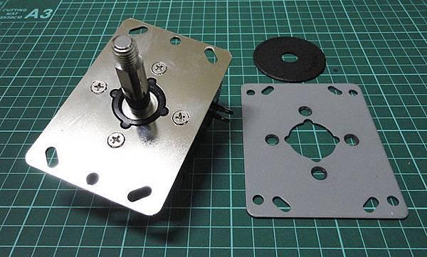 13-裝上訂製鐵板.JPG